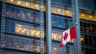 Photo of La confiance des consommateurs canadiens est demeurée stable le mois dernier