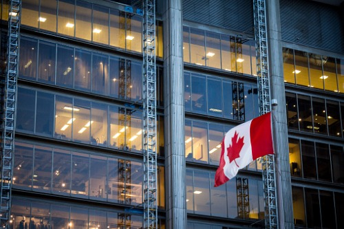 Canadian consumer confidence remained stable last month