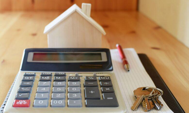 Quel est le ratio cours / bénéfice moyen dans le secteur immobilier?