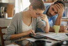 Photo of De nombreux Canadiens signalent le désespoir dans de graves pièges d'endettement