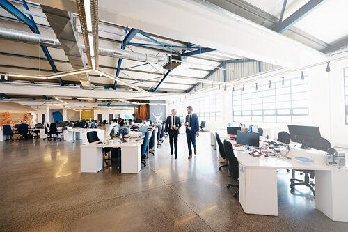 Photo of Le secteur florissant de la haute technologie est le moteur du marché des bureaux au Canada