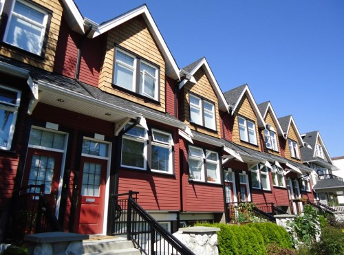 Vancouver market labouring under sluggish sales, prices