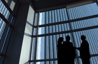 Photo of Un courtier fantôme a facilité des dizaines de transactions frauduleuses – BC Gov't