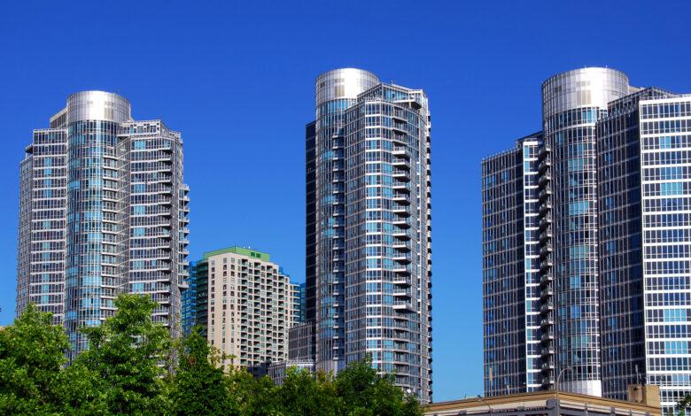 Les prix des condos sont-ils vraiment en baisse au centre-ville de Toronto?