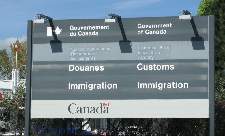 Photo of Nombre record d'immigrants à destination du Canada en 2021
