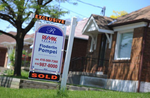 Photo of Les augmentations des frais de la SCHL pourraient ajouter des centaines de dollars au coût hypothécaire