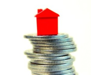 Photo of Les ménages ont maintenant besoin d'un revenu à six chiffres pour s'offrir une maison à Toronto – rapport