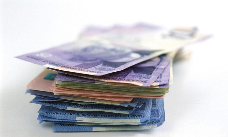 Photo of Le courtier met son argent là où il est