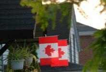 Photo of Les Canadiens veulent bloquer leurs prêts hypothécaires plus longtemps