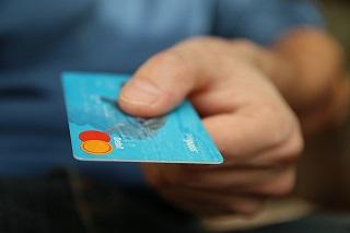 Photo of Les prêteurs renforcent leur marque grâce à un favori des consommateurs: la dette