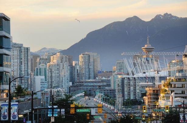 Photo of Un conte de deux villes;  marchés de bureaux à Calgary, Ottawa