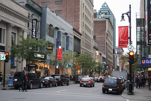 Photo of Un dirigeant immobilier met en garde Montréal contre les risques pour l'économie