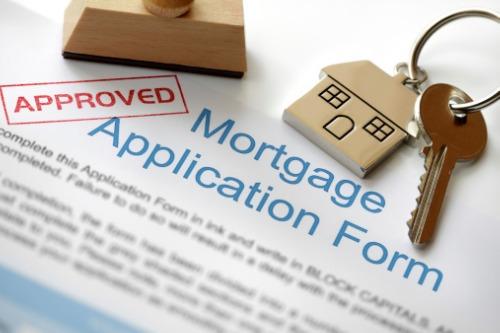 Photo of Equifax sur combien de Canadiens mentent sur leurs demandes de prêt hypothécaire