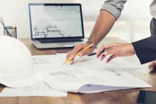 Photo of Investisseurs prudents en copropriété avant la construction.  Les prêteurs n'aiment pas les affectations de financement