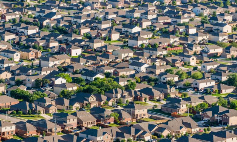 Photo of La SCHL explique ce qui a maintenu la vigueur du marché canadien de l'habitation pendant la pandémie