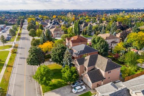 Photo of La pandémie n'a pas entravé la flambée des prix de l'immobilier en Ontario
