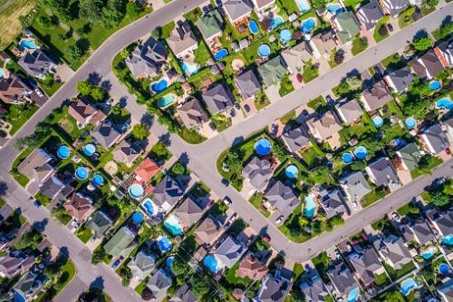 Photo of Les gouvernements annoncent un investissement de 100 millions de dollars dans le logement à Montréal