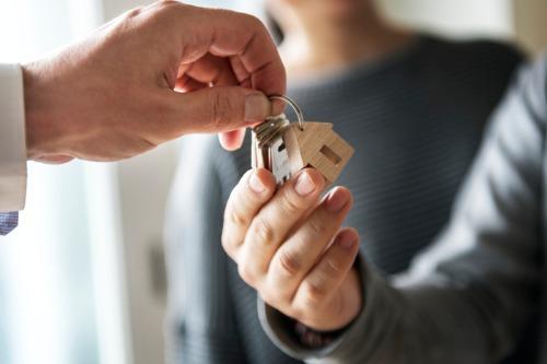 Photo of Quelle est la prévalence des propriétaires non-résidents dans les principaux marchés canadiens?